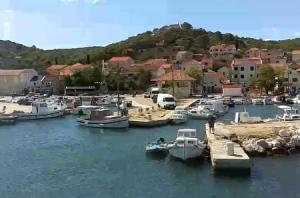 Побережье поселка Ткон на острове Пашман в Хорватии