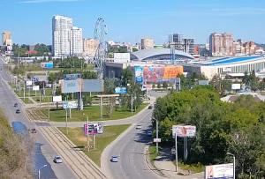 Перекресток проспекта Свердловский и улицы Труда в Челябинске