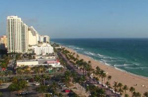 Пляж в городе Форт-Лодердейл во Флориде