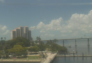 Мост через реку Калузахатчи в Форт-Майерс во Флориде
