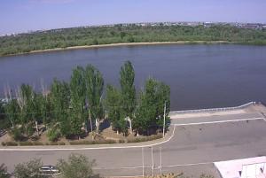 Улица Куйбышева и река Волга в Астрахани