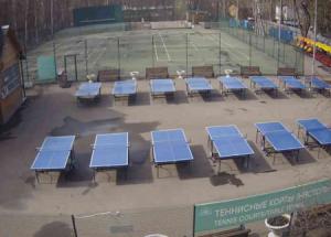Теннисные корты в парке Сокольники в Москве