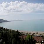 Пляж санатория Челюскинцев в Гаграх в Абхазии