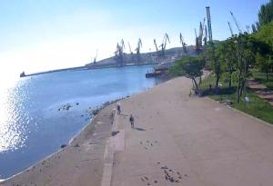 Набережная Десантников в Феодосии в Крыму