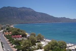 Залив Месиниакос в Каламата на Пелопоннесе в Греции