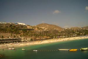 Пляж в Анфи-дель-Мар на острове Гран-Канария