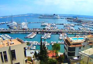 Пристань для яхт Кан Барбара в Пальма-де-Майорка в Испании