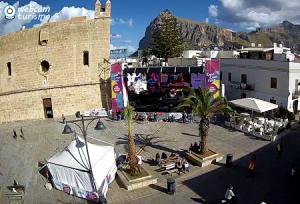Площадь Пьяцца-Сантуарио в Сан-Вито-Ло-Капо на острове Сицилия