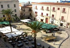 Соборная площадь Чефалу на острове Сицилия