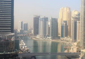 Залив в Дубай Марина в ОАЭ