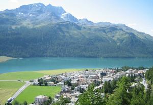 Озеро Сильваплана в Швейцарии