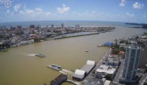 Морской порт города Итажаи в Бразилии