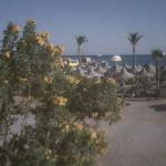 Пляж из дайвинг-центра James Mac в Хургаде