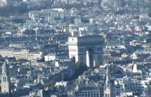 Триумфальная арка в Париже во Франции