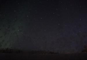 Северное сияние в Порьюс в Швеции, вид на восток