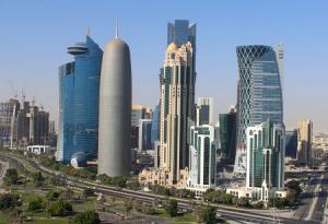 Центр города Доха в Катаре из отеля Sheraton Grand Doha