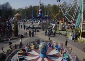 Аттракционы в парке Сокольники в Москве