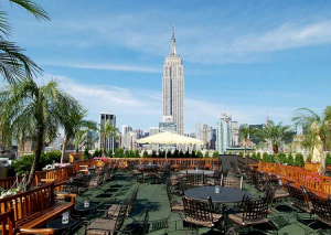 "Панорама Нью-Йорка с бара ""230 Fifth Rooftop Bar"""