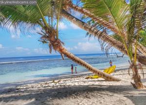 Пляж Anse Parnel на острове Маэ на Сейшельских островах
