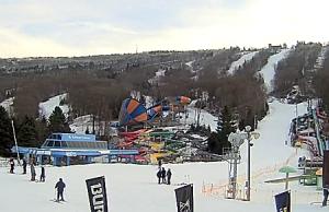 Трасса для сноутюбинга на горнолыжном курорте Кэмелбэк