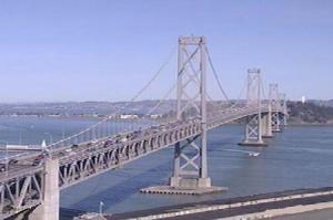 Мост между Сан-Франциско и Оклендом в Калифорнии