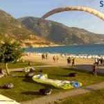 Посадочное поле парапланеристов в Олюденизе в Турции