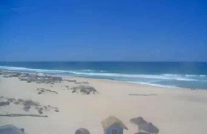 Пляж города Компорта в Португалии