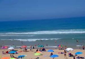 Пляж Санта Круз в Силвейра в Португалии