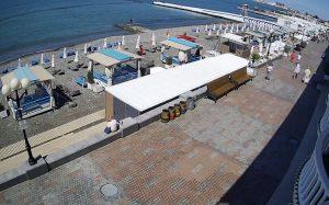 Пляж «Приморский» в Сочи в западном направлении