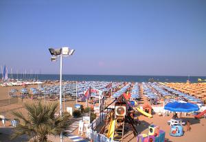 Пляж Bagno 99 в Римини