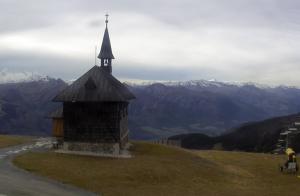 Часовня на горе Шмиттен на горнолыжном курорте Цель-ам-Зее