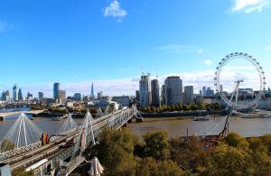 Лондон из отеля Corinthia London