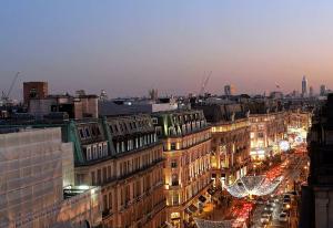 Улица Риджент-стрит в Лондоне из отеля Langham