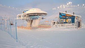 Нижняя станция подъемника К4 на горнолыжном курорте Большой Вудъявр