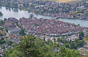 Город Штайн-на-Рейне в Швейцарии с замка Хоэнклинген
