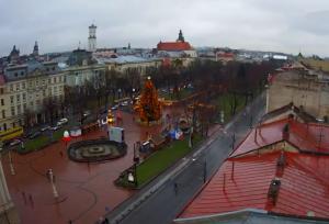 Проспект Свободы во Львове из отеля PANORAMA Lviv