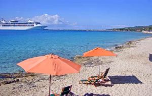 Пляж Фредерикстед на острове Санта-Крус