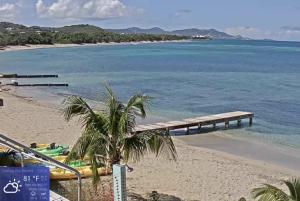Вид из отеля Chenay Bay Beach Resort на острове Санта-Крус