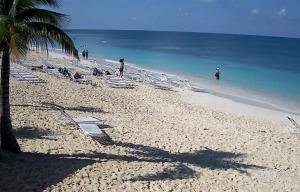 Семимильный пляж на Каймановых островах