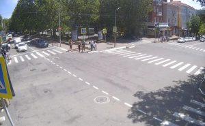 Перекресток улицы Карла Маркса и улицы Мира в Туапсе