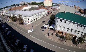 Перекресток улиц Карла Маркса и Федерации в Ульяновске