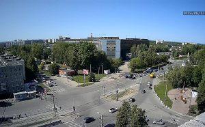 Перекресток улицы Репина и проспекта Нариманова в Ульяновске