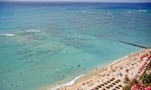Пляж Вайкики из отеля The Royal Hawaiian, a Luxury Collection Resort, Waikiki