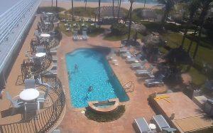 Бассейн отеля High Noon Beach Resort в Лодердейл-бай-Си