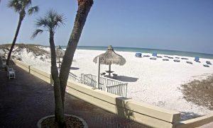 Пляж Сейнт Пит Бич из отеля Hideaway Sands Resort