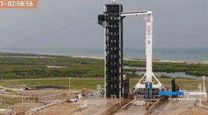 Запуск пилотируемого космического корабля Crew Dragon с мыса Канаверал