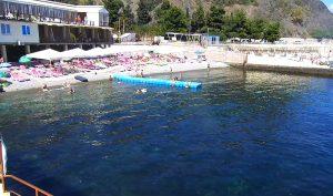 Пляж парк-отеля Porto Mare в Алуште
