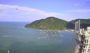 Центральный пляж Балнеариу-Камбориу в Бразилии